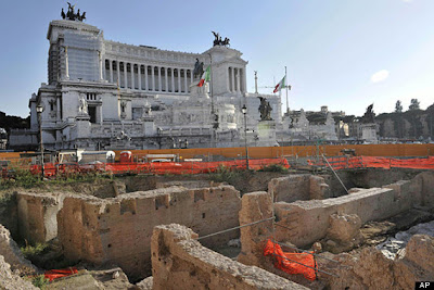 Ancient arts centre unearthed in Rome
