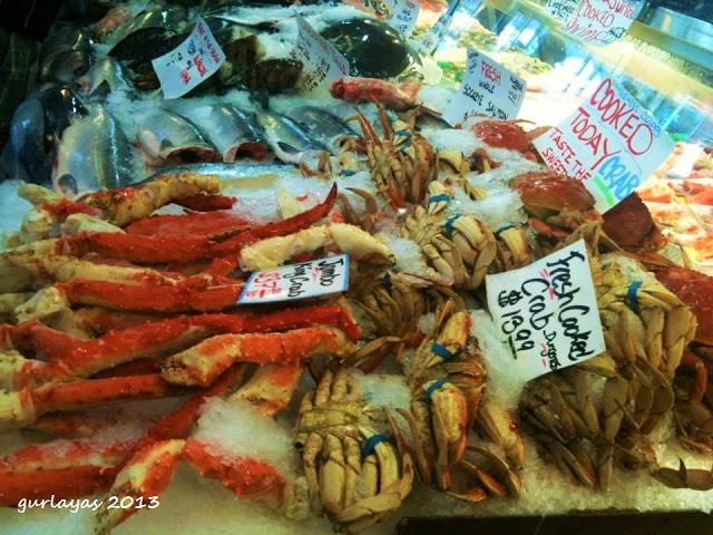 seafood galore at pike place market seattle by gurlayas.blogspot.com