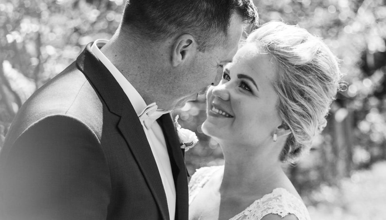 Q+A: AMIE VICTORIA PHOTOGRAPHY   LAURA + ANDREW WEDDING SUNSHINE COAST QLD