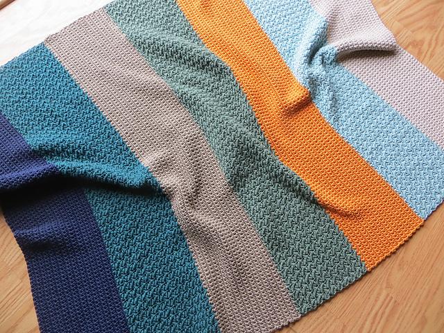 mes favoris tricot crochet mod le gratuit un plaid pour b b au crochet. Black Bedroom Furniture Sets. Home Design Ideas