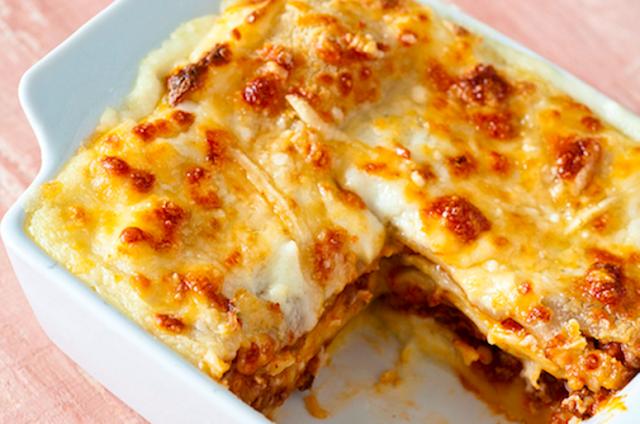Lasanha de Batata com Cheddar e Salame (Imagem: Reprodução/Internet)