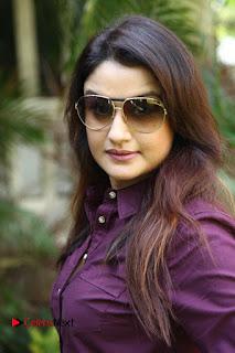 Vincent Asokan Sonia Agarwal Akhil Saran Nayana Starring Yevanavan Movie Stills  0014.jpg