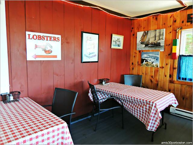 Lobster Shacks en Massachusetts: Comedor del The Lobster Pool Restaurant