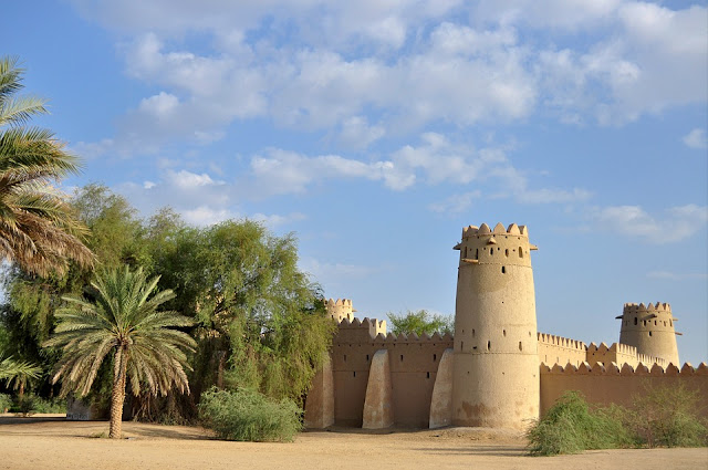al jahili fort abu Dhabi entrance side view