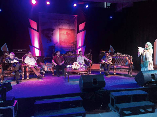 Lomban-Mantiri Hadiri Launching Antologi Drama Selendang Sutra