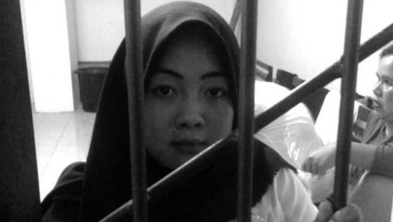Yusniar, ibu rumah tangga asal Makassar, dijerat UU ITE karena status Facebook