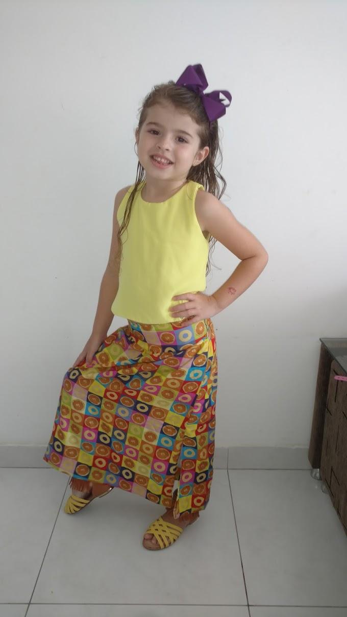 Fazendo pose - Duda Pereira