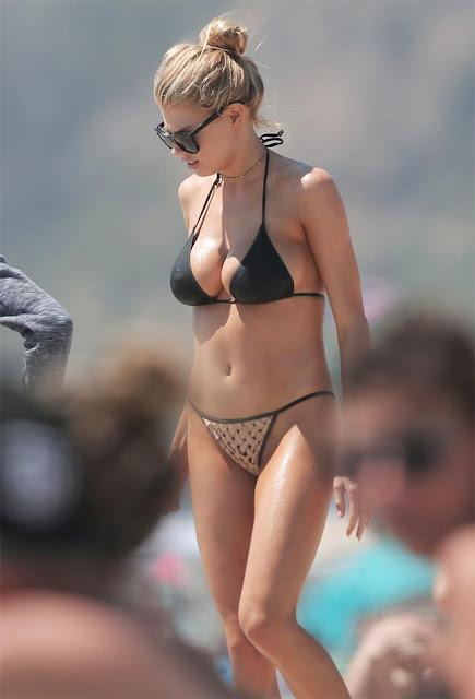 Hot girls Charlotte McKinney heats up in barely-there bikini 4