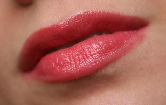Guerlain 003 Red Heels в макияже губ