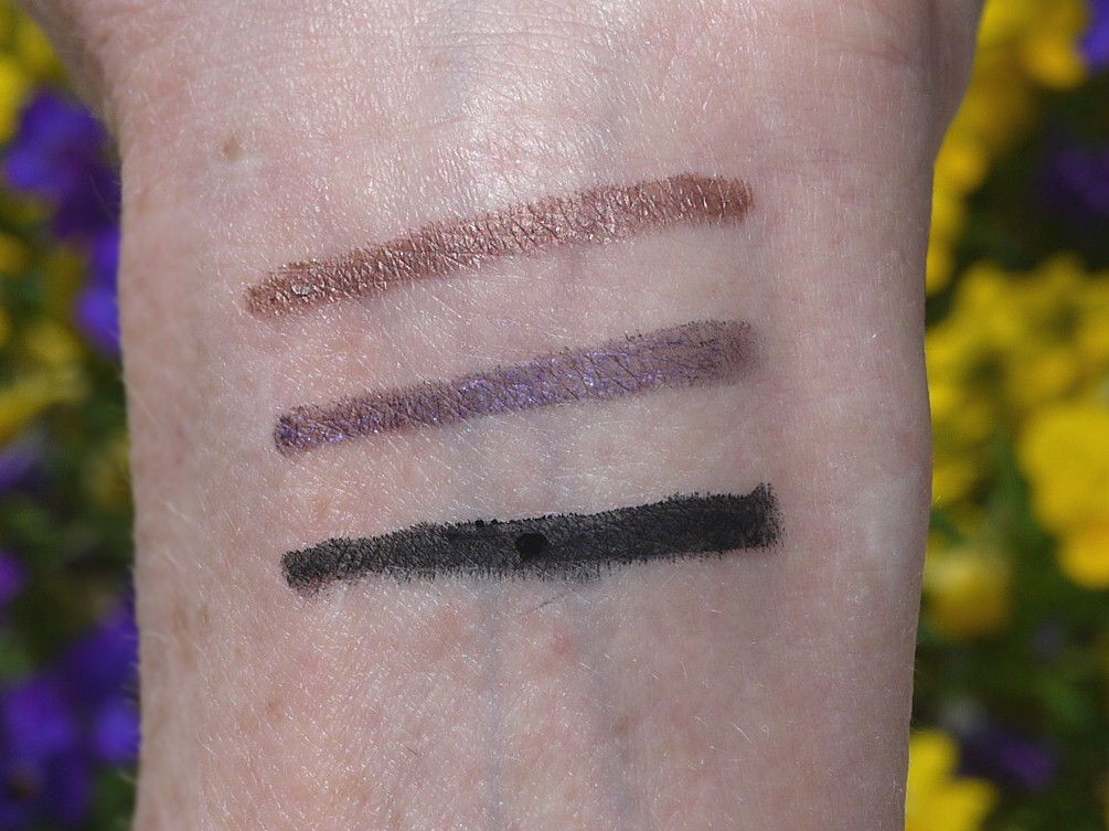 Luster Glide Silk Infused Eyeliner by chantecaille #9
