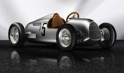 auto de juguete eléctrico de carreras clásico para niños