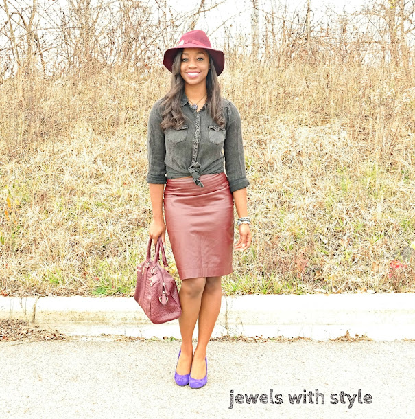 how to wear a fedora, fedora outfit ideas, maroon leather skirt, maroon outfit, burgandy outfit, how to wear a leather skirt, maximizing your wardrobe, wearing your favorite pieces, columbus blogger, black fashion blogger, jewels with style