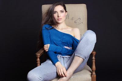 BTS-FW4-luna-bodysuit-detail-blue-web-Layla-Lobatti-WorthyStyle-Between-the-Sheets
