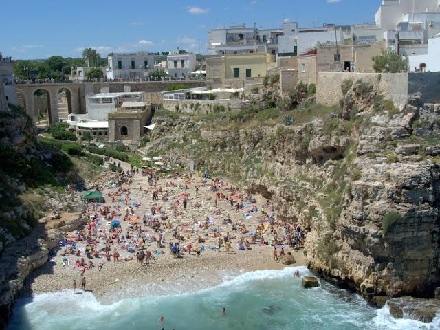 plaża w Polignano a Mare