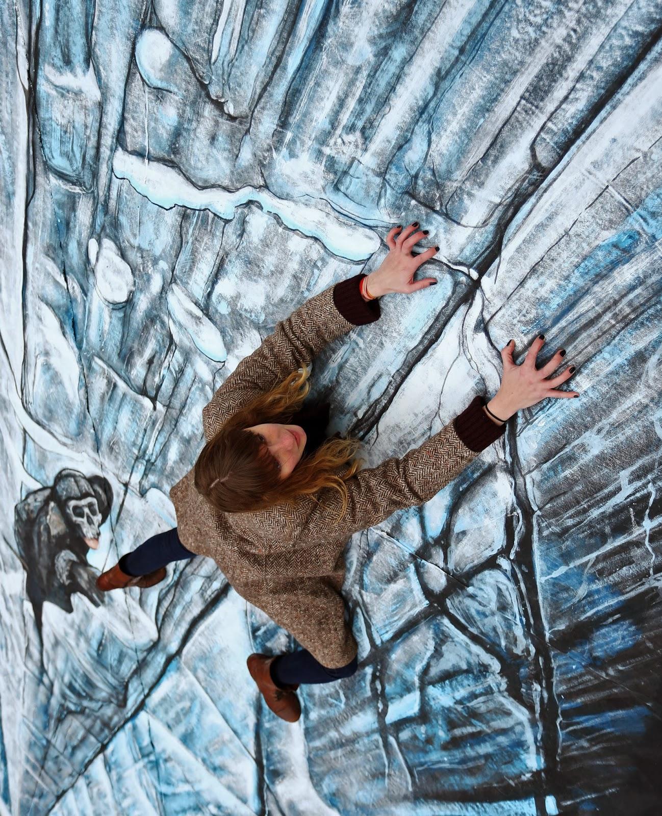 Geek Art Gallery: Street Art: The Wall Chalk Art