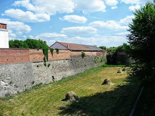 Дубно. Замок. Кріпосні мури