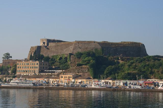 New Fortress in Kerkyra. with sea view. Corfu. Greece. Новая крепость в Керкире. Вид с моря. Корфу. Греция.