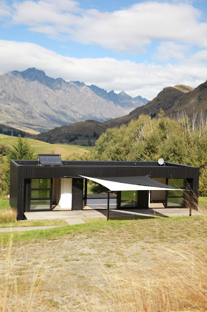 Steel frame transportable prefab home by bachbox new for Contemporary house designs nz