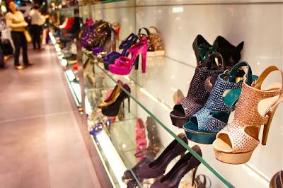zapatos de moda para jovenes mujeres
