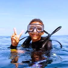 Kids love diving in Phuket as its a perfect place to do a jjunior DSD