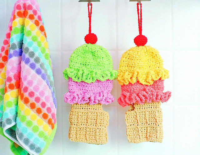 Ice Cream Cone Shower Mitt crochet pattern
