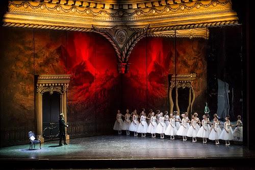Erwin Schrott and dancers in Les Vepres Siciliennes (c) ROH/Bill Cooper 2013