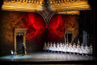 Erwin Schrott and dancers in Les Vepres Siciliennes at the Royal Opera House - (c) ROH/Bill Cooper 2013