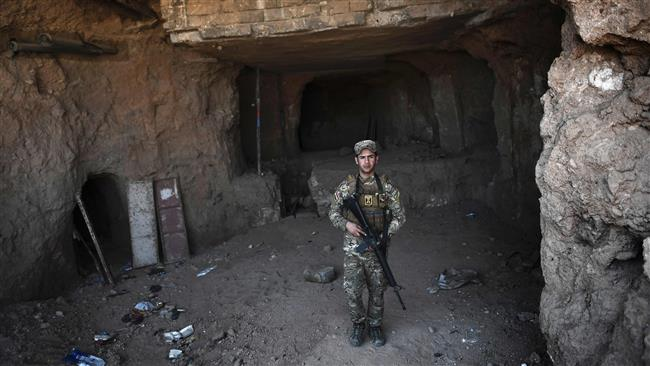 Iraqi security forces uncover tunnels used by Daesh Takfiri terrorist group in Mosul's Old City