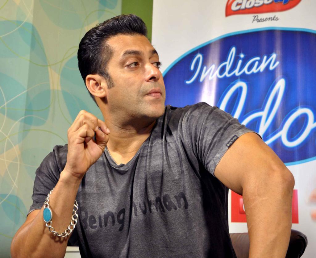 Salman Khan  Katrina Kaif Promote Ek Tha Tiger On