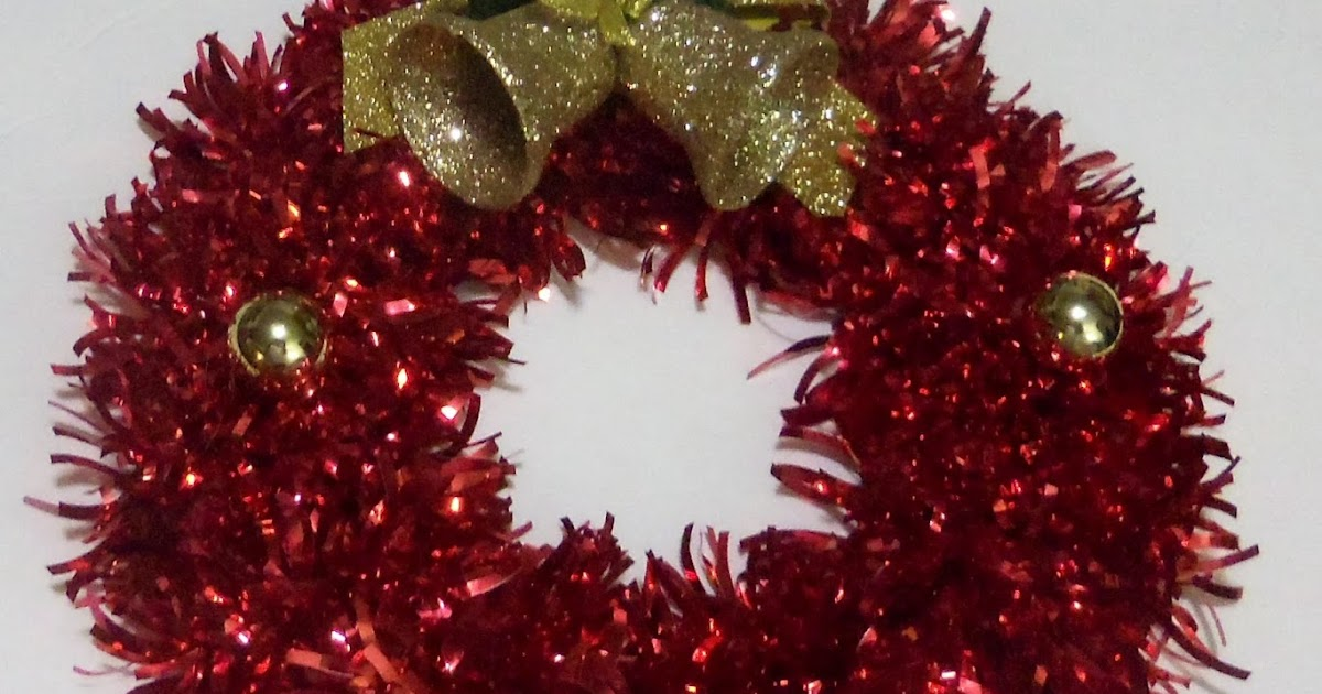 Favored Crafts: DIY Tinsel Confetti Christmas Wreath