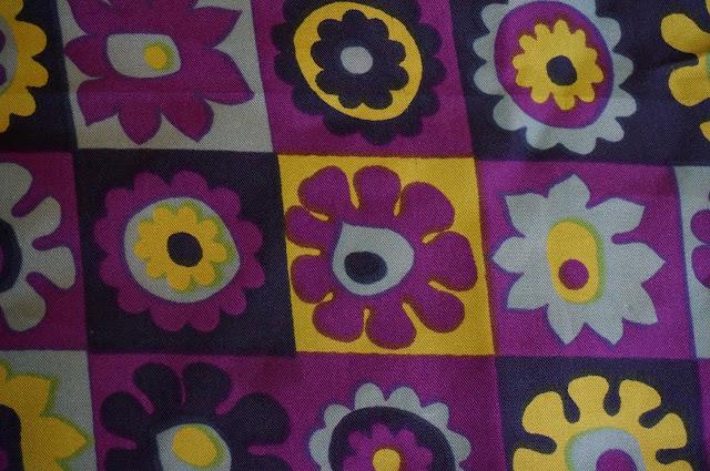 70s silk scarf vintage années 70 1970s foulard soie flower psychedelic pop