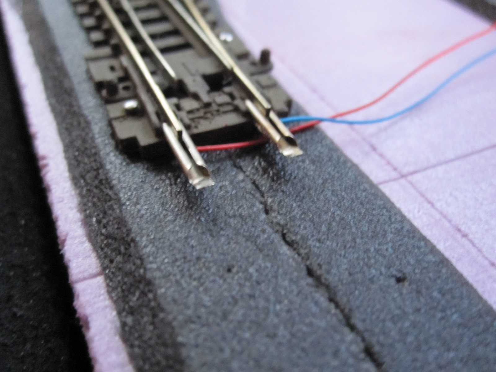 the wild west in n scale: simple wiring n scale track wiring micro engineering n scale turn out wiring