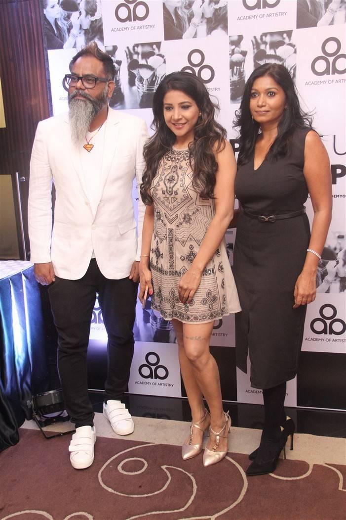 Sakshi Agarwal At Chennai Woke Up for a Make Up Chat Stills