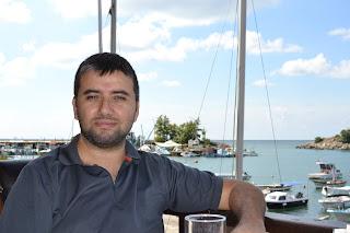 sahilde yemek yerken, Akçakoca Piri Reis Cafe