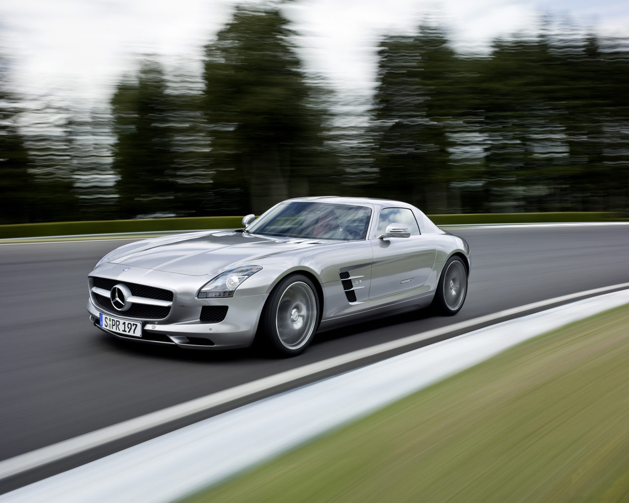top cool cars mercedes sls amg pictures and videos. Black Bedroom Furniture Sets. Home Design Ideas