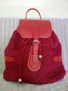 Model Tas Rajut Cantik Warna Merah Hati