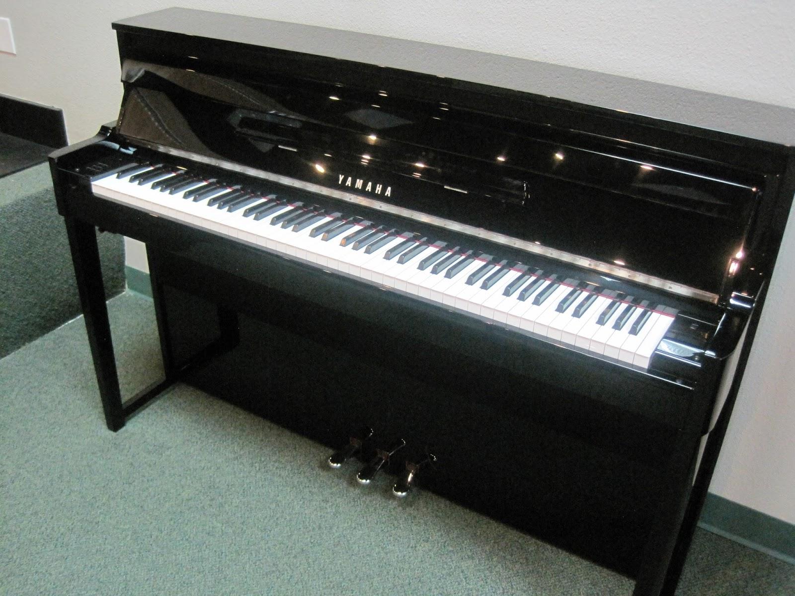 maxresdefault Yamaha Clp 585