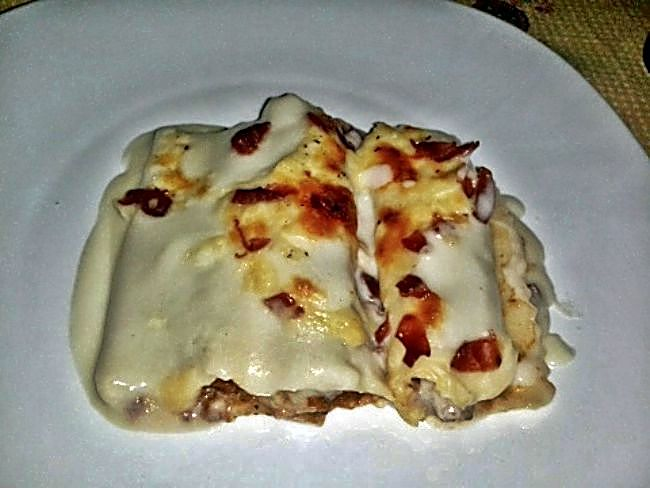Canelones a la boloñesa con jamón y queso