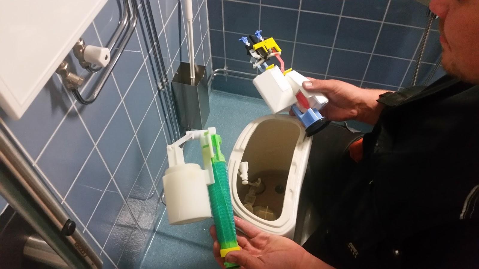 Vessanpöntön Vesisäiliön Kannen Avaaminen