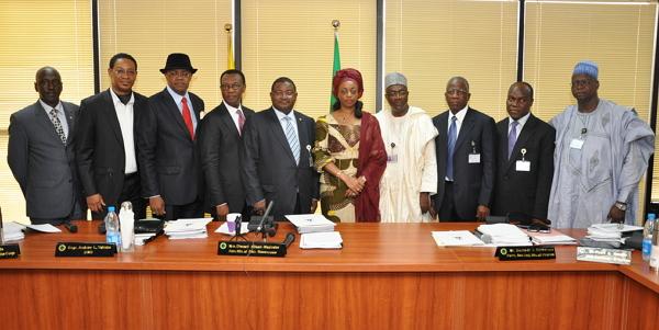 buhari sacks nnpc board directors