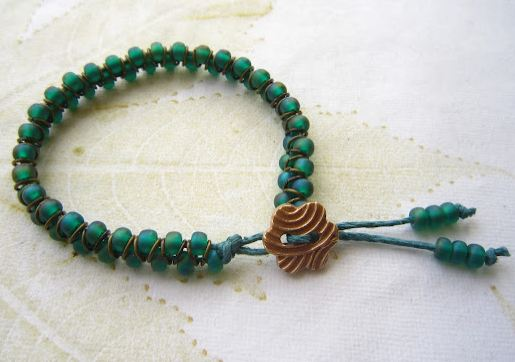 Clever Jump Ring And Seed Bead Bracelet Tutorial