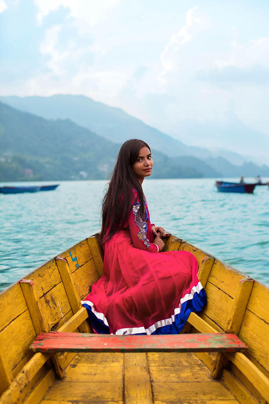 This Photographer Took Pictures Of Women From All Over The World. You'll Be Amazed By Their Beauty And Uniqueness! - Pokhara, Nepal