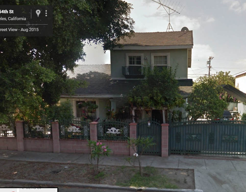 Captive wild woman home tour of the sla patty hearst for Murder house tour los angeles
