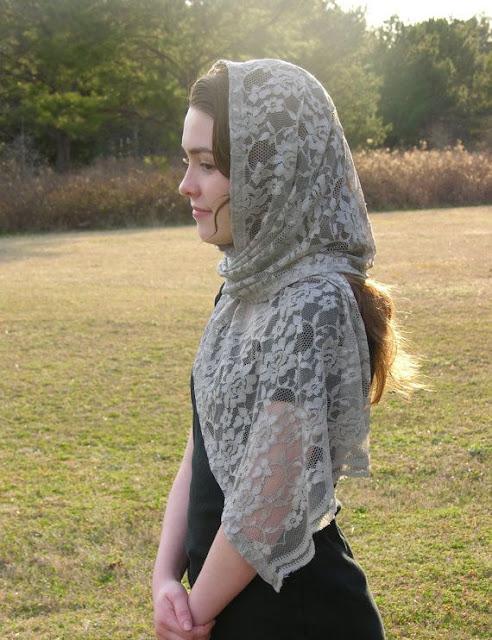 Véu e mantilha modelos, quando usar, véu cinza