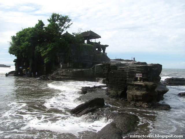 Храм Танах-Лот, Бали