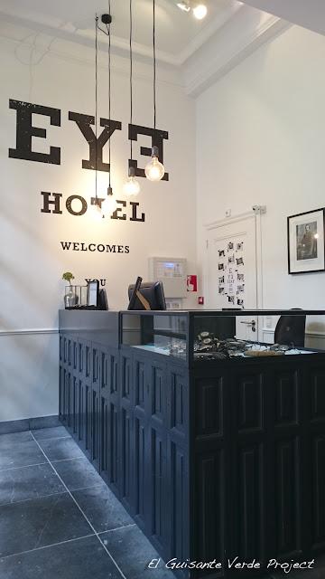 Eye Hotel, recepción - Utrecht por El Guisante Verde Project