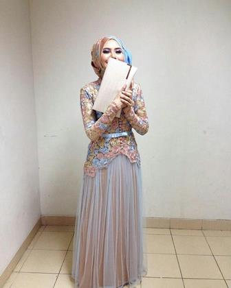 Model Baju Muslim Untuk Wisuda Style Gamis