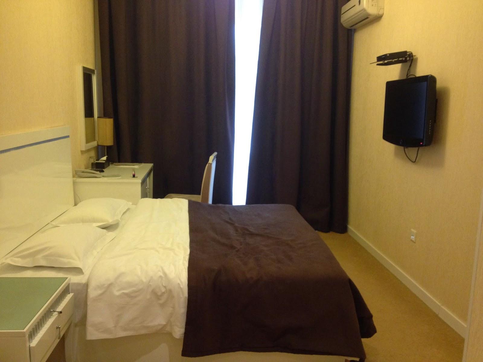 アゼルバイジャンの二流ホテルの部屋