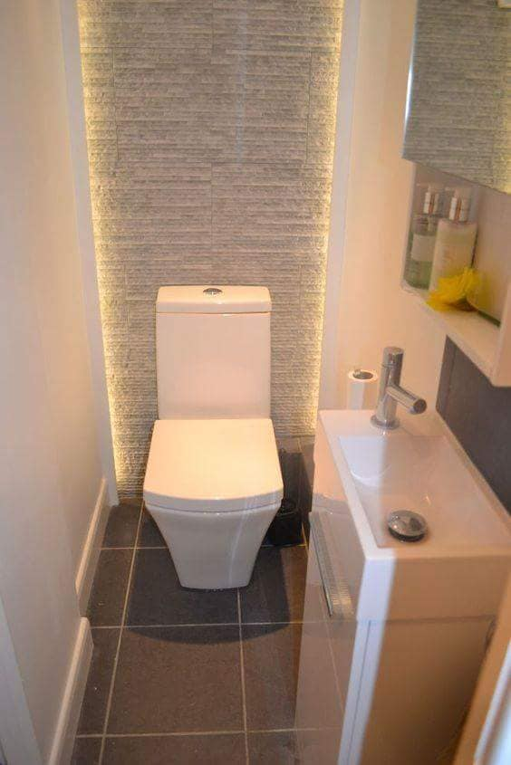 Modern%2BX-Small%2BFunctional%2BToilet%2BIdeas%2BTo%2BUpgrade%2BYour%2BHouse%2B%252816%2529 20 Modern X-Small Functional Toilet Ideas To Upgrade Your House Interior