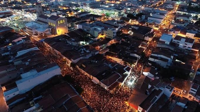 Confira as fotos da maior procissão da região do Trairi em Santa Cruz - Santa Rita de Cássias